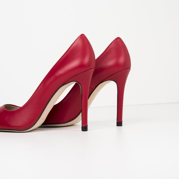 Red lounge shoe