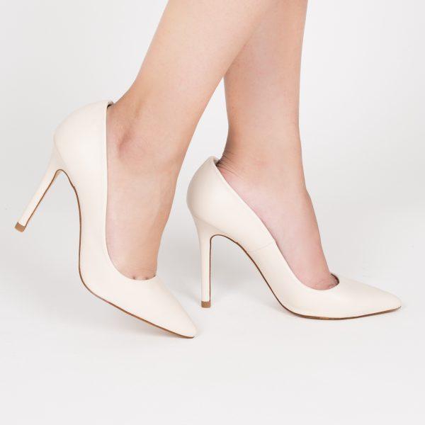 Beige lounge shoe