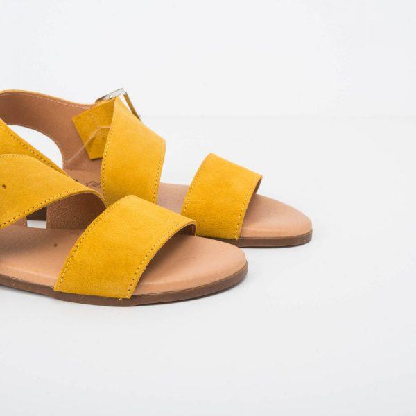Sandalia Tiras Anchas Ante Amarillo